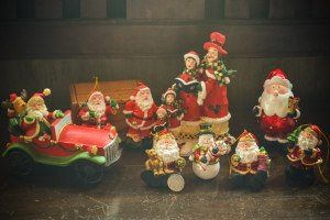 Christmas Décor Shopping in Paete: Santa Overload!