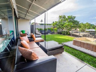 Cozy Bobo Hostel, balkon (sumber: booking.com)
