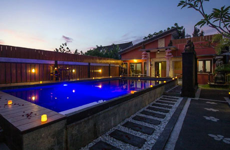 The Yogasari Seminyak (sumber: booking.com)