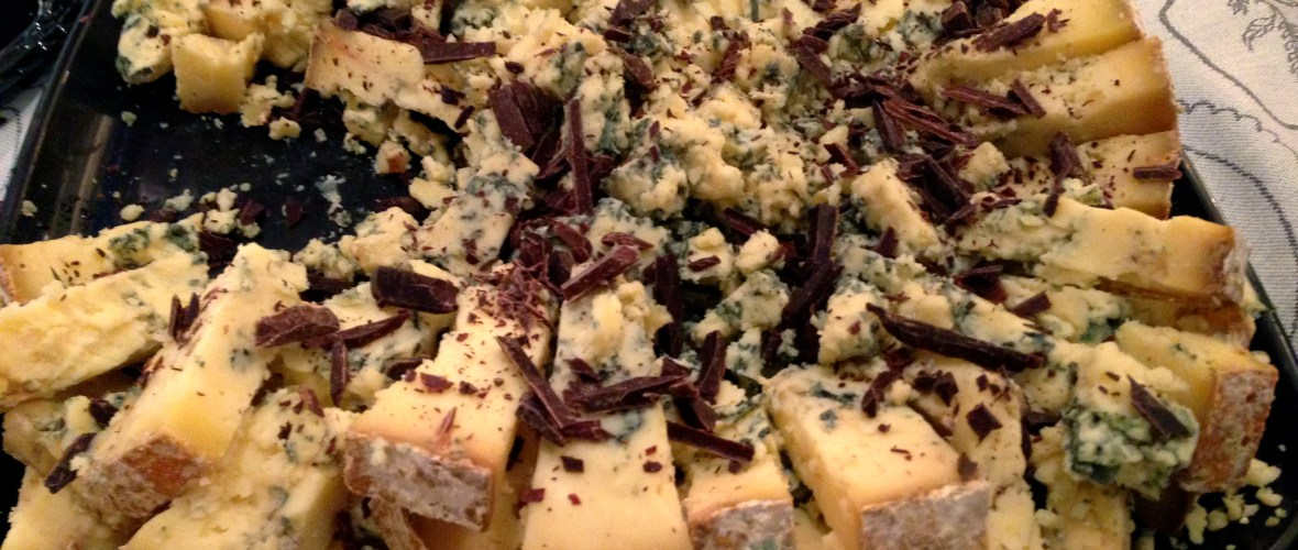 A unique and tasty stilton, paired with dark chocolate shavings