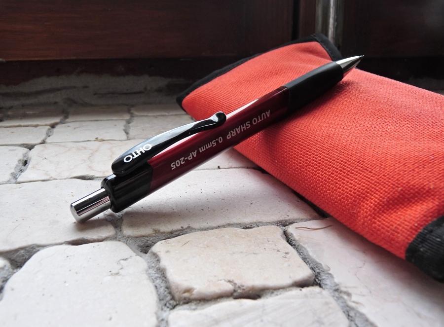 OHTO Auto Sharp mechanical pencil resting