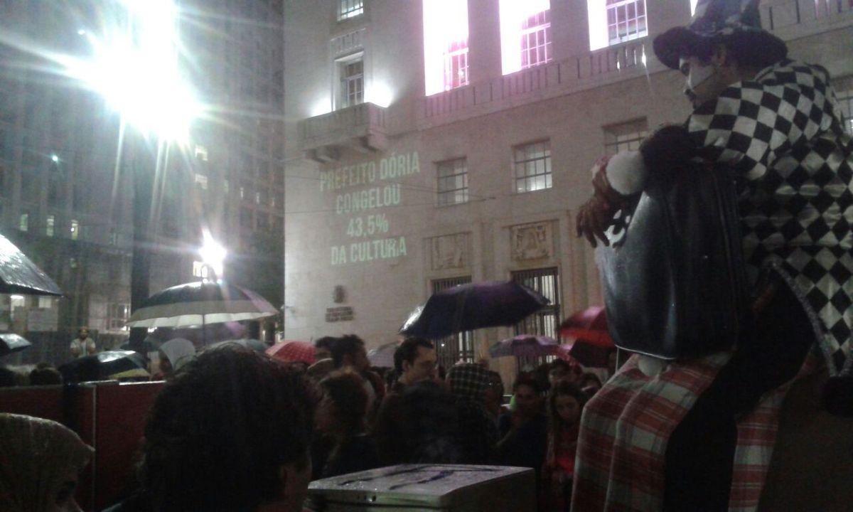 Artistas das Periferias ocupam ruas do Centro contra o congelamento da Cultura