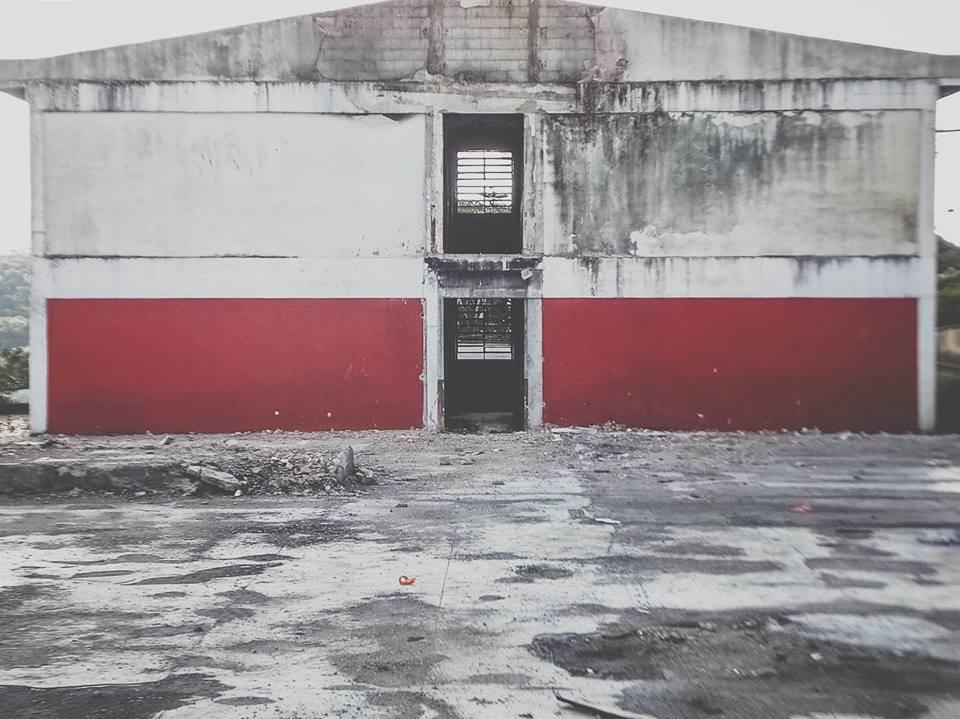 Moradores fazem mutirão para revitalizar área de escola incendiada em Parelheiros