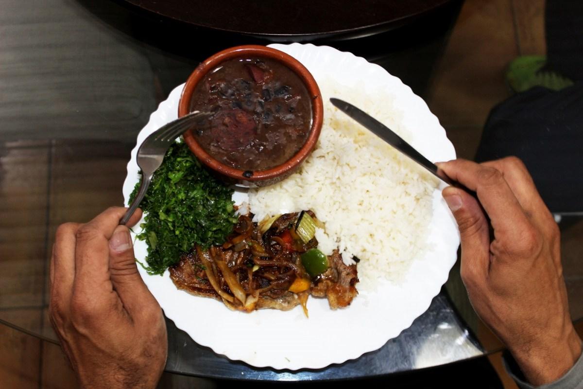 Restaurante da Camila: comida caseira boa e barata com uma história de superação por trás do tempero