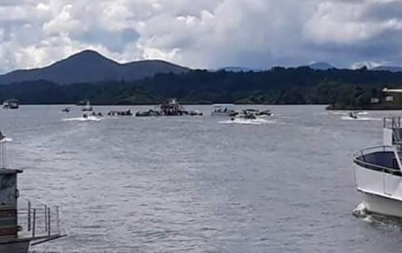 Naufraga embarcación con 150 a bordo en el embalse  Peñol-Guatapé