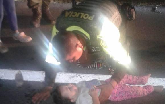 """Policía """"revivió"""" a una bebé de un año que sufrió un ataque"""