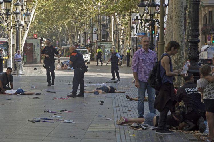 Atentado terrorista en Barcelona provoca 13 muertos y 80 heridos
