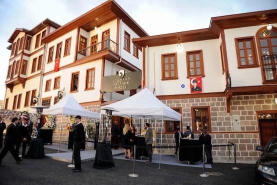 Fachada del edificio del Museo del Ajedrez de Ankara.