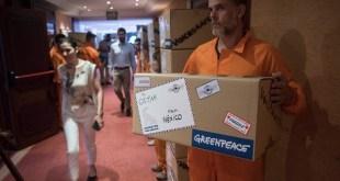 OSPAR: Greenpeace entrega ocho millones de firmas por el Ártico