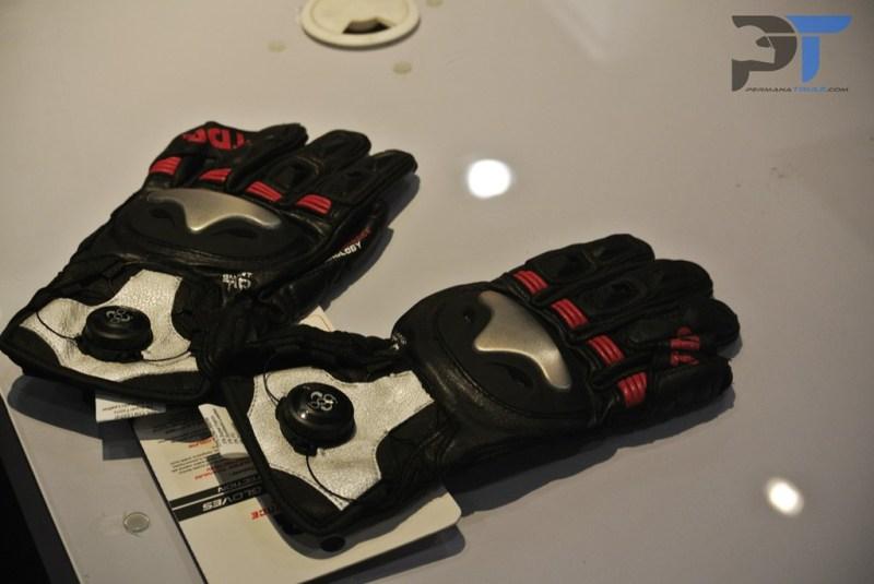 permanatriaz-tdr-glove