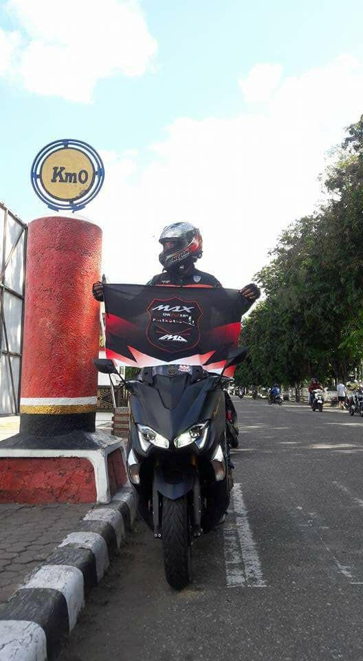 Yamaha TMAX DX ke KM 0