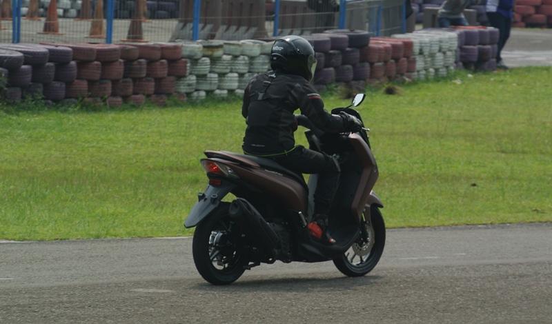 Luar Biasa Akselerasi Yamaha Lexi