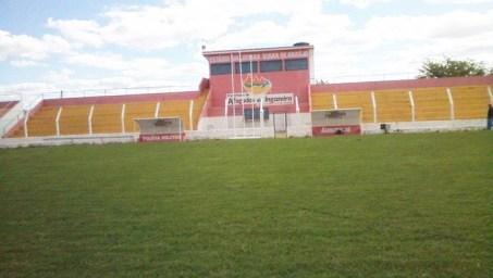 Resultado de imagem para estádio Viana Araújo