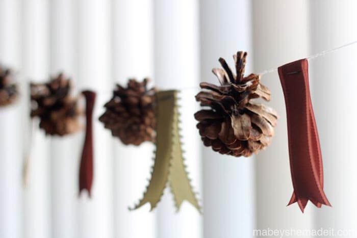 DIY-pinecone-garland