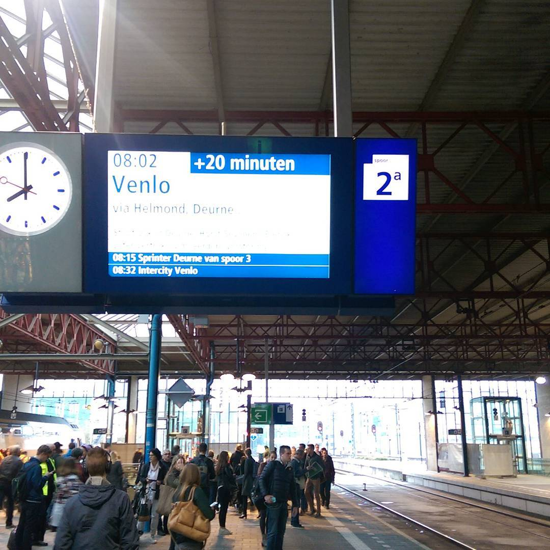 Dat wordt later beginnen vandaag #treinleven #knip