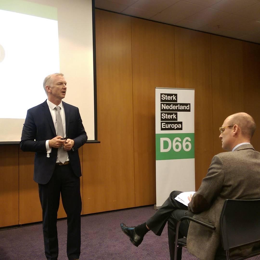 Met @robertstrijk en sessie over campagnefinanciën #d66congres #50jaard66