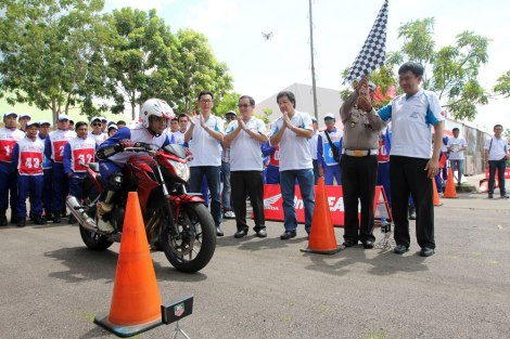 AHM Gelar Adu Skill Berkendara Big Bike antar Instruktur Safety Riding pertamax7.com
