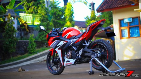 All New Honda CBR150R 2016 Warna Merah Racing Red 62 Pertamax7.com
