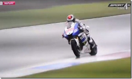 jorge lorenzo crash 3