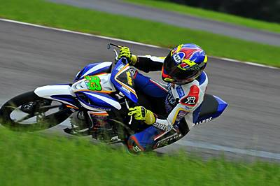 Fitriansyah Kete (Yamaha Tunggal Jaya) juara kelas 125 cc dan 110 cc memacu Jupiter Z1 di race seri pertama Indoprix 2014 sirkuit Sentul Karting International