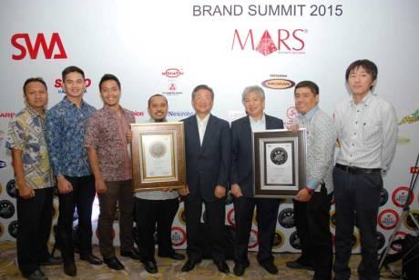 PT-Yamaha-Indonesia-Motor-Manufacturing-raih-Indonesia-Best-Brand-Award-2015-untuk-Mio-dan-V-Ixion