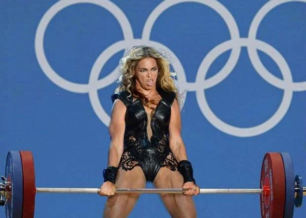 Beyoncé Tells Fan at Concert to 'Put that D*mn Camera Down' beyonceviral1