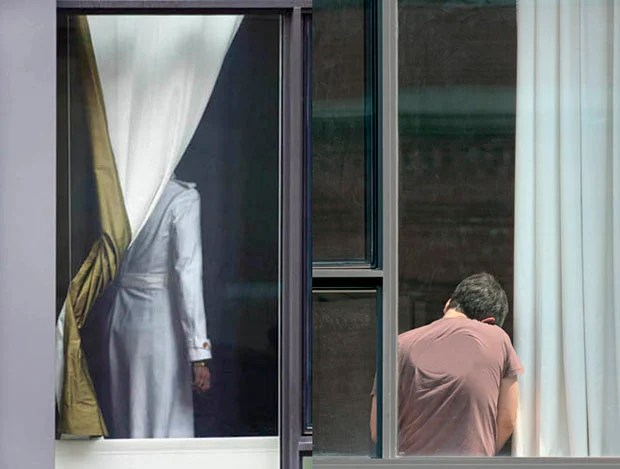 New Yorkers Upset Over Photographers Secret Snaps Through Their Windows strangers0