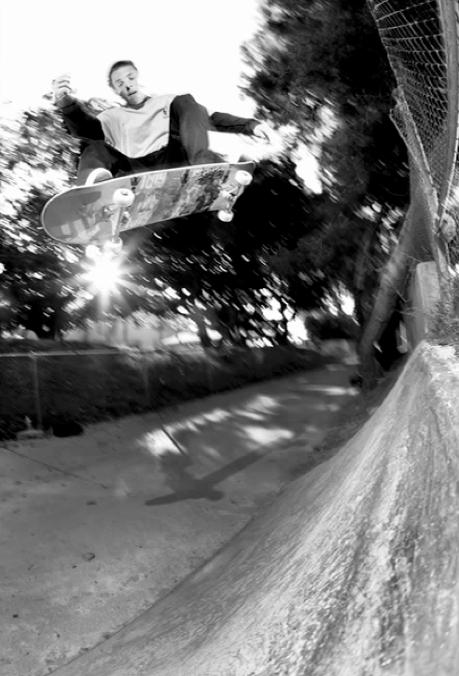 How to Get Magazine Quality Skateboard Photos with Minimal Gear skateboardinghowto2