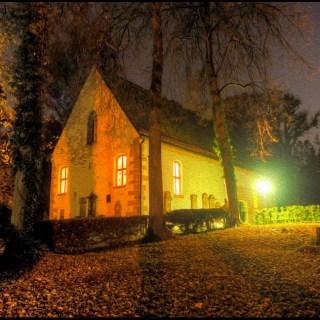 Johanneskirche in Aalen bei Nacht
