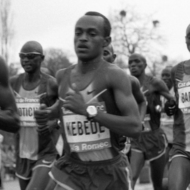 Kebede running in the Paris Marathon