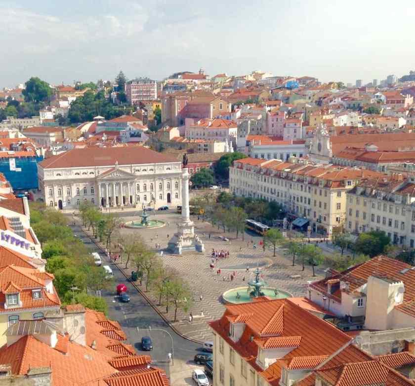 Aussichtspunkte von Lissabon, Rossio Platz von der Aussichtsplattform des Elevador de Santa Justa