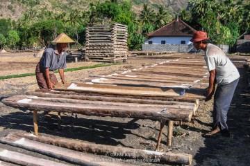 Les paludiers d'Amed. Bali. Indonésie.