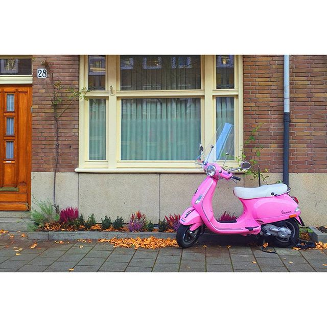 Short visits to favorite cities = 💟 Sneaked an early morning walk to grab some coffee before #oscon yesterday. Got rewarded with empty streets & pretty autumn colors.  And this cutie. #Amsterdam #Vespa