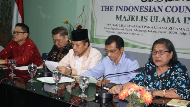 Para pimpinan dan anggota majelis agama dalam jumpa pers di kantor MUI, Jakarta