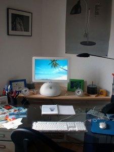 iMac - der sogenannte Lampenschirm-MAC 2002
