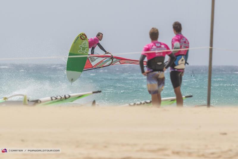Soltysiak Shaka coming into the beach. Photo by PWA/Carter