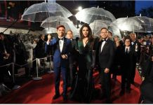 Paolo Ballesteros Paolo Ballesteros Walks As Angelina Jolie