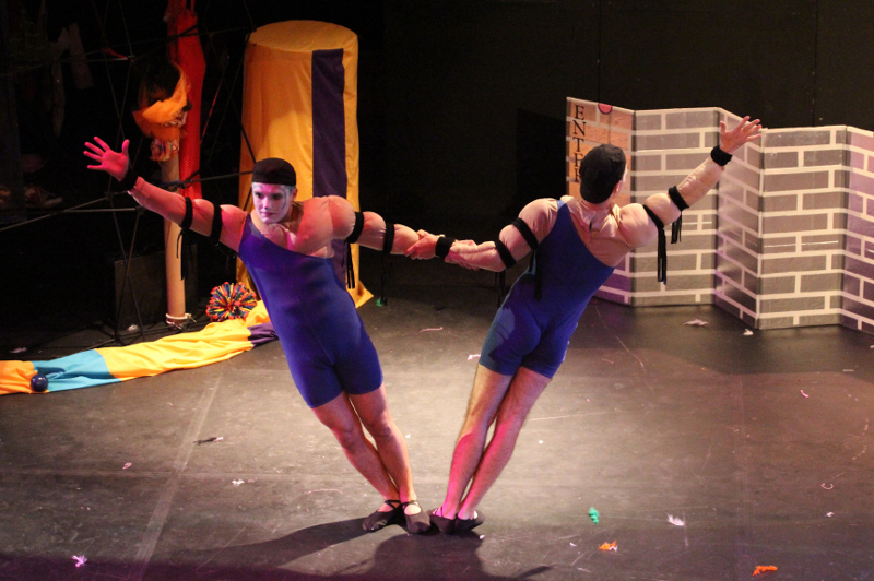 CIRQUE DU GAY (Quince): Circus in stockings and buttless ...