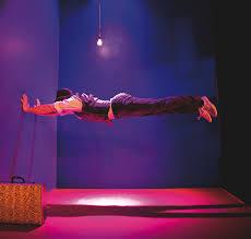 Leo, Y2D Productions, Chamäleon Productions, William Bonnet, Fringe review