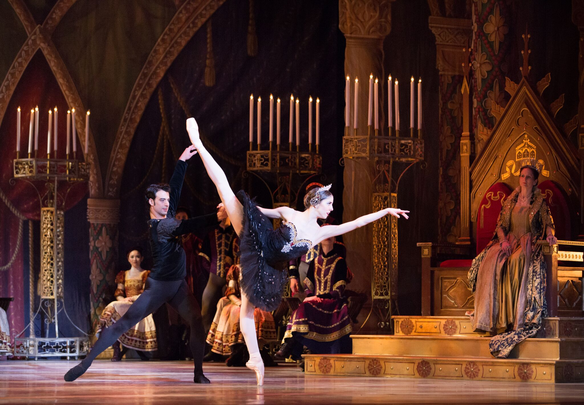 SWAN LAKE (PA Ballet): Pennsylvania Ballet refined through the ...