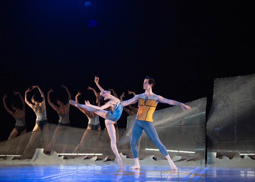 Retiring principal dancer . Ian Hussey (right) with Yuka Iseda and Pennsylvania Ballet company members. Photo by Alexander Iziliaev.