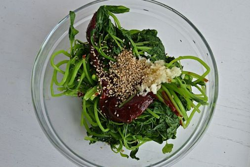 Korean spicy amaranth green salad recipe
