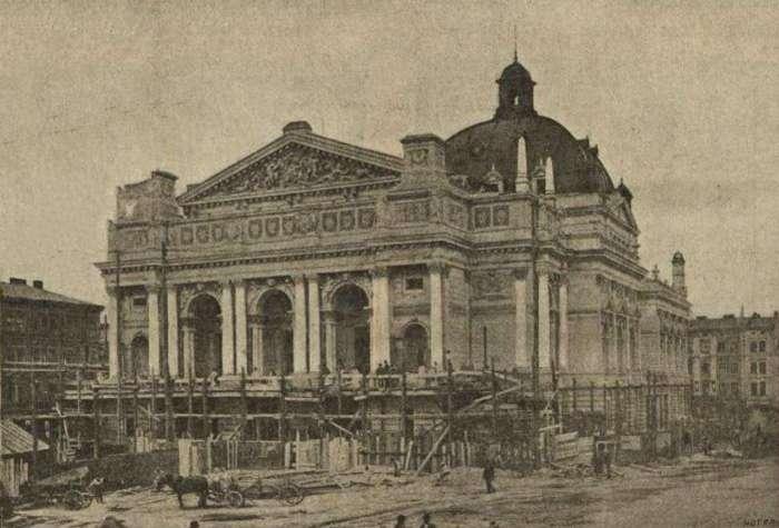 Опера у Львові на завершальному етапі будівництва. Фото-2 1900 року
