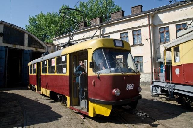 """""""Tatra T4SU"""" №869"""