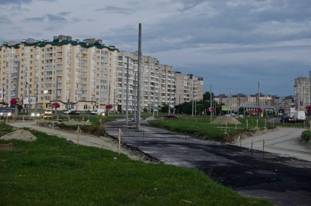 Розворотне кількце біля кінотеатру ім. Довженка.
