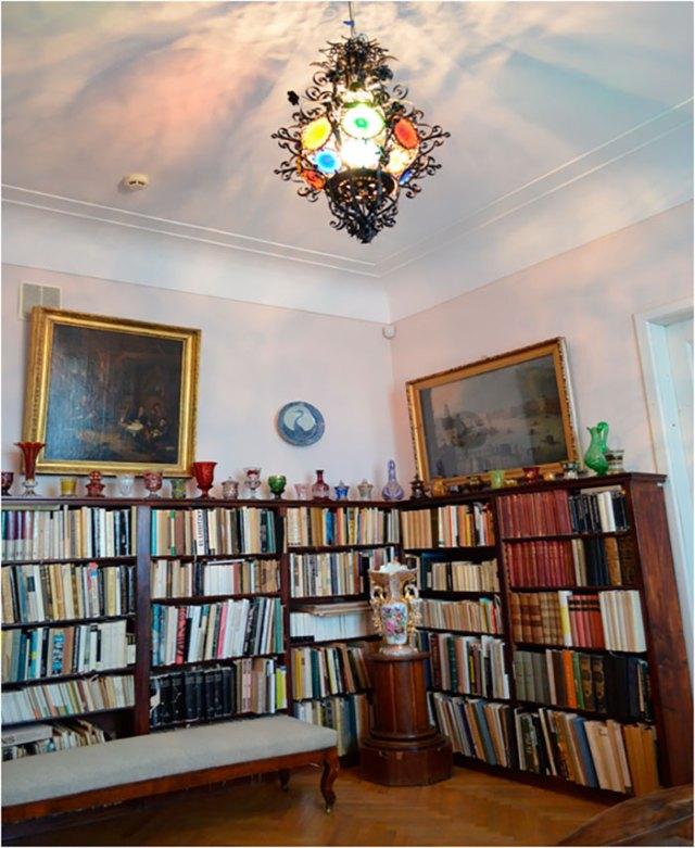 Київська літературно-меморіальна музей-квартира Миколи Бажана