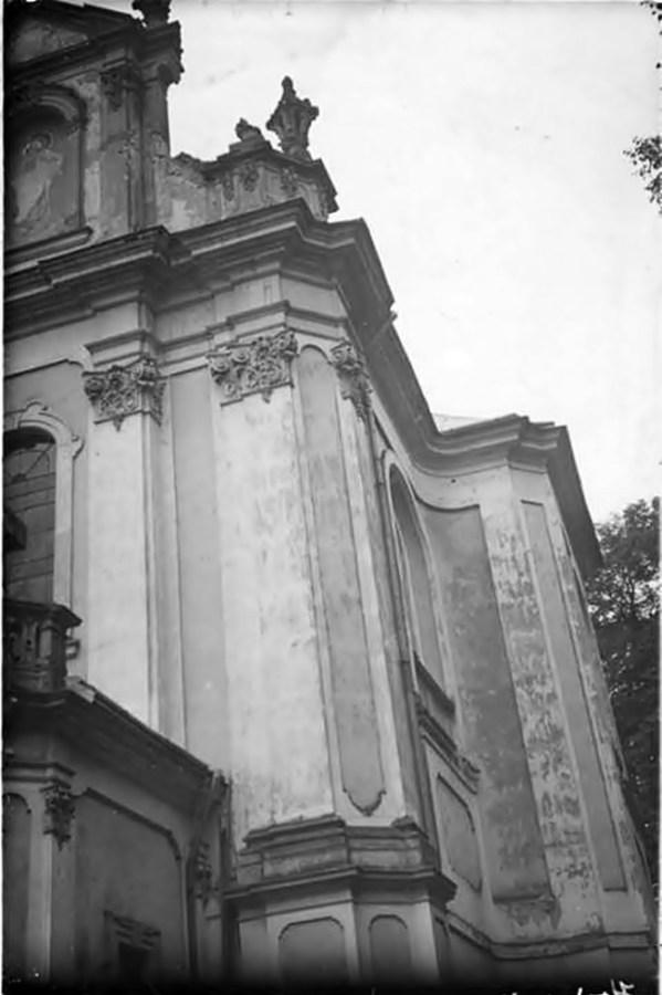 Фрагмент Костелу Усіх Святих у Годовиці, фото до 1931 ? року