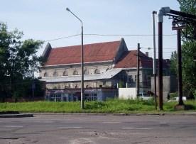 Сучасний вигляд костелу кармелітів босих на Персенківці з вул. Луганської. Сучасне фото