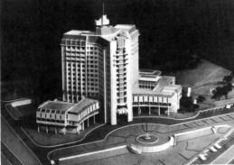 Макет готелю, що хотіли звести на місці кладовища на Варшавській