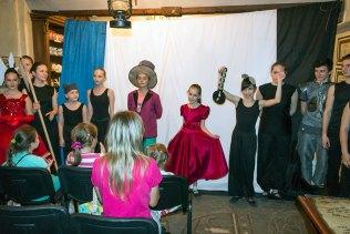 Актори дитячого зразкового театру-студії «Чарівна Скринька»